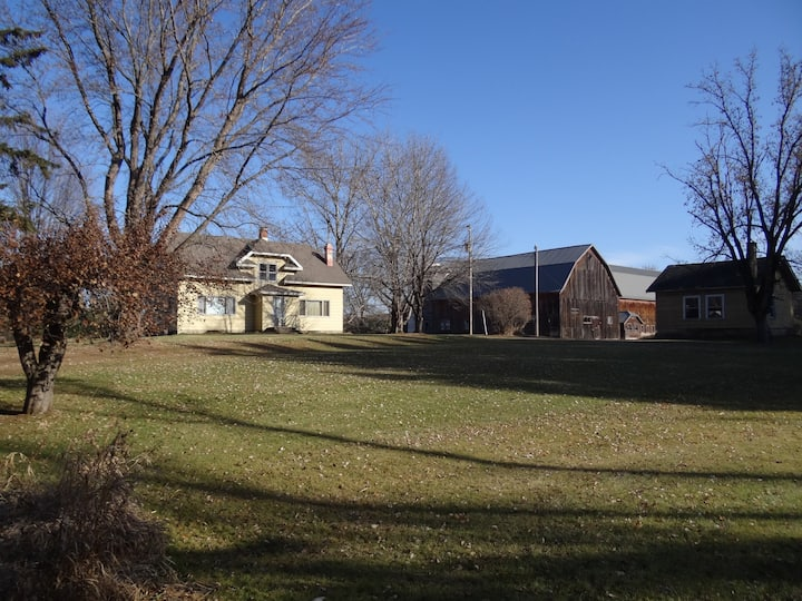 Secluded Farmhouse on 21 acres