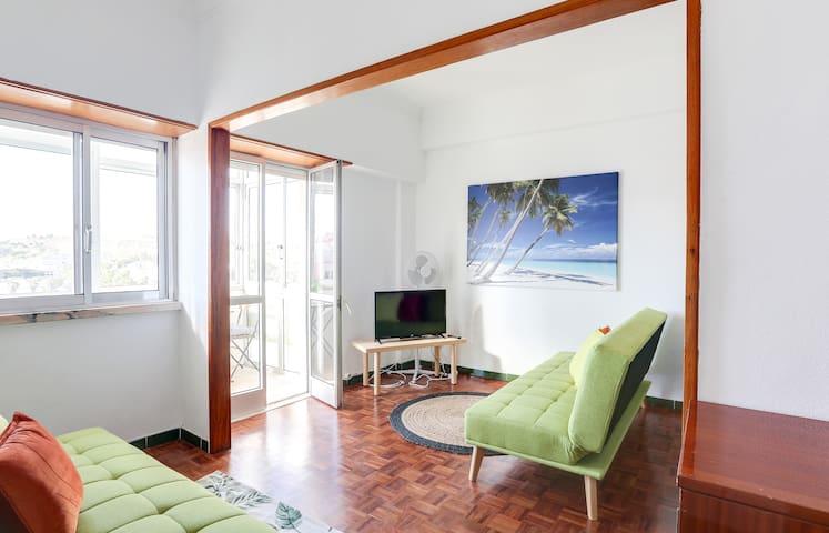 Caparica Centre 1 bed apartment & close to beach