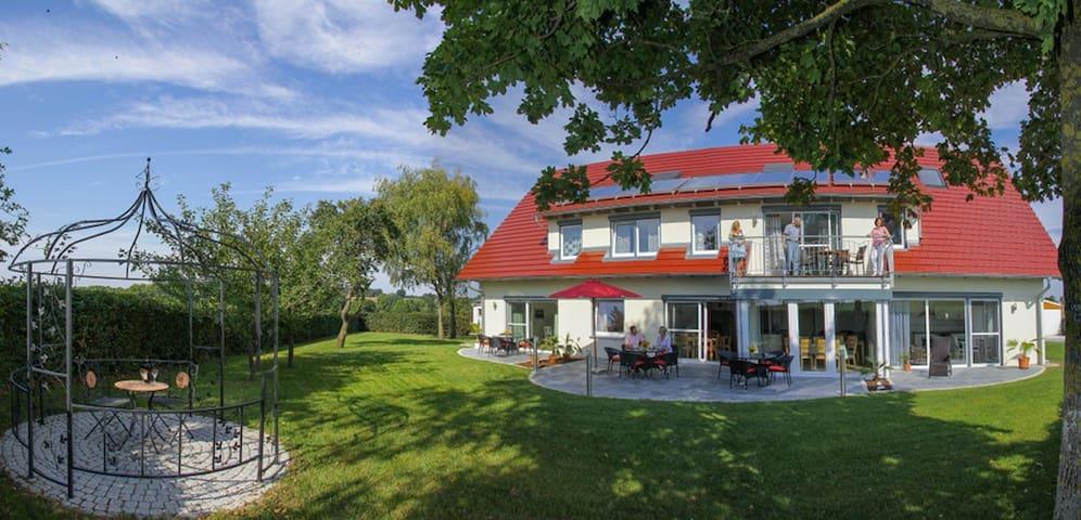 Landhaus Rothenburg  4**** und 5*****Sterne - Rothenburg - Casa