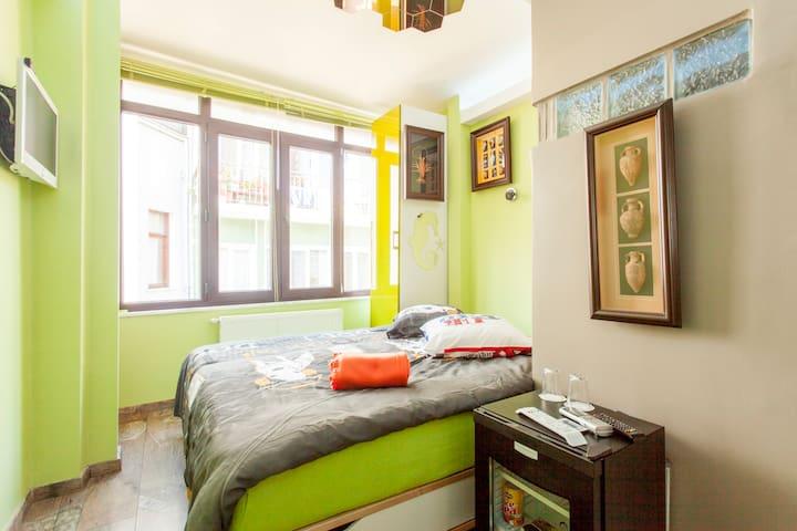 Büyükada As Boutique Themed Rooms - Adalar - Bed & Breakfast