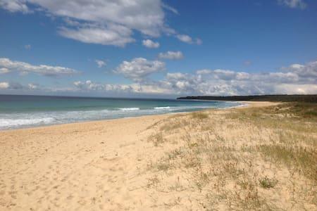 Luxury beach house with ocean views - Moruya Heads