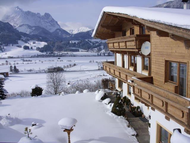 Doppelzimmer mit Frühstück - Pension Sonnleit´n - Kirchdorf in Tirol - Гестхаус