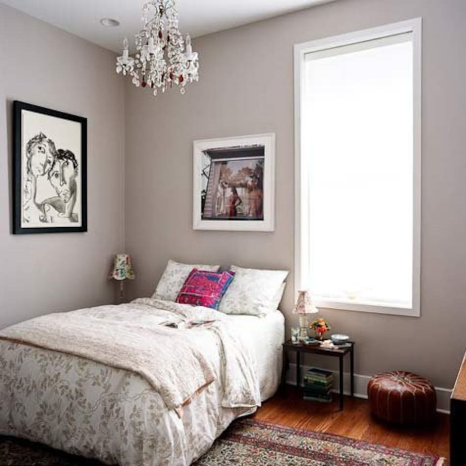 Not actual picture of room - my room is similar in decor but has a double bed