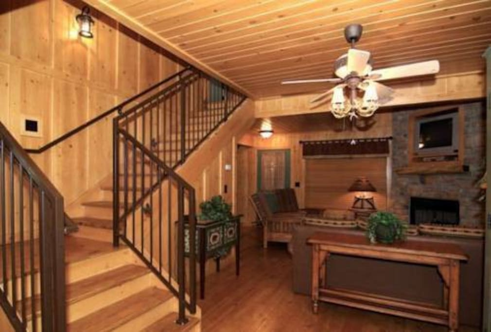 The cabins at green mountain cottages for rent in for Cabin rentals near branson mo