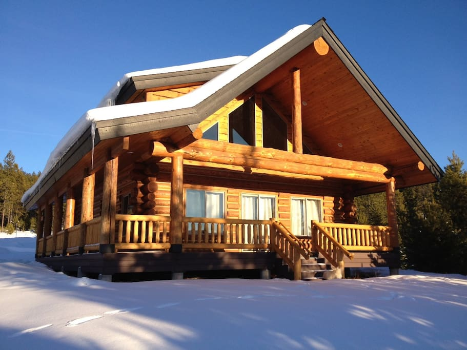 Willamette pass crescent cabin cottages for rent in for Cabins near portland oregon