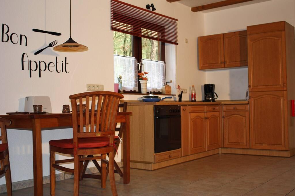 Ess- und Küchenecke in dem Ferienbungalow Casa Carolus