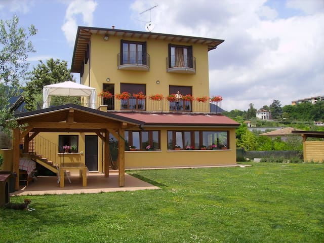Villa LA VERANDA in Green Field - Salò - Apartment