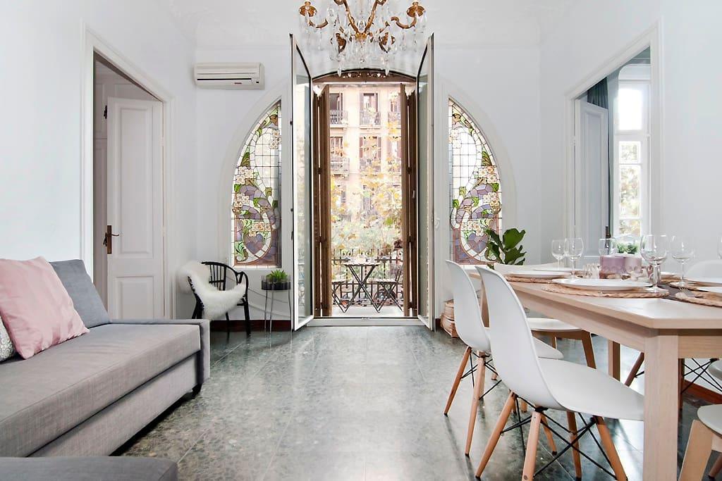 Spacious flat close to ramblas appartamenti in affitto a for Appartamenti in affitto a barcellona