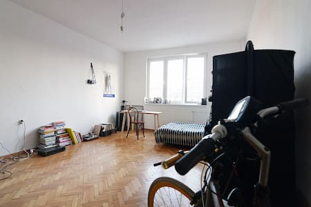 Small and old flat in the center of the old town - Apartment