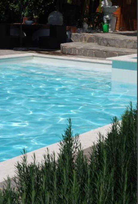 Pool and rosemary scent