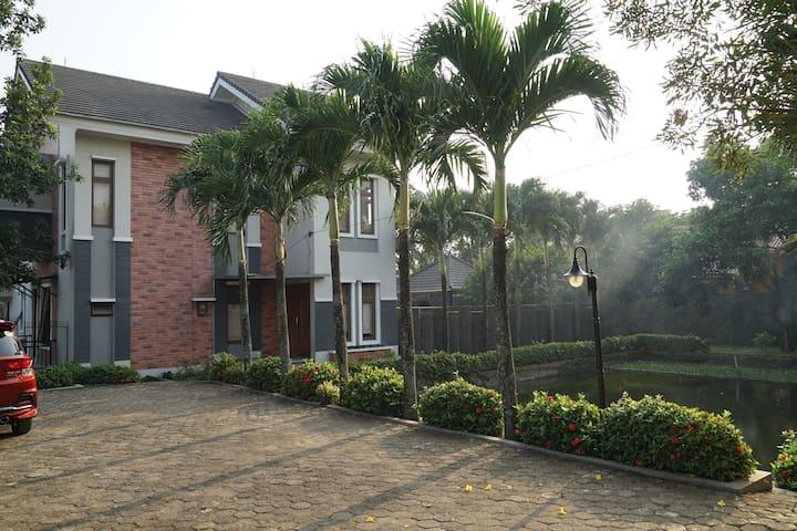 Villa Pesona Air