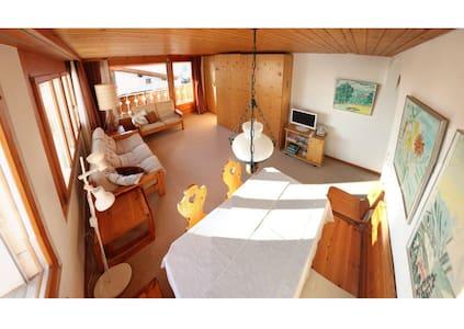 Sonnige Wohnung mit Bergpanorama - Appartamento