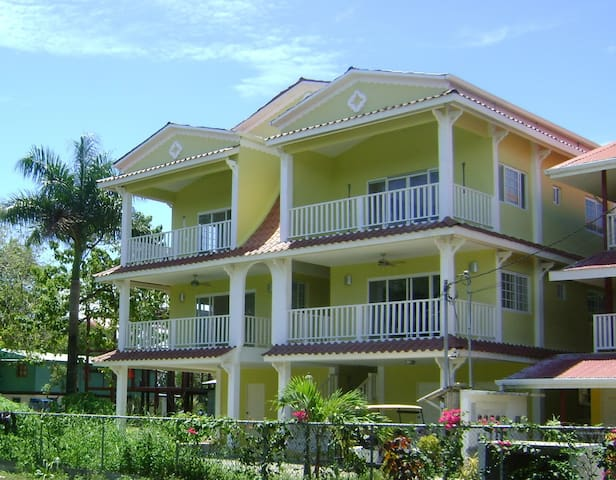 Bocas Luxury Vacation Condo - Bocas Del Toro - Apartemen