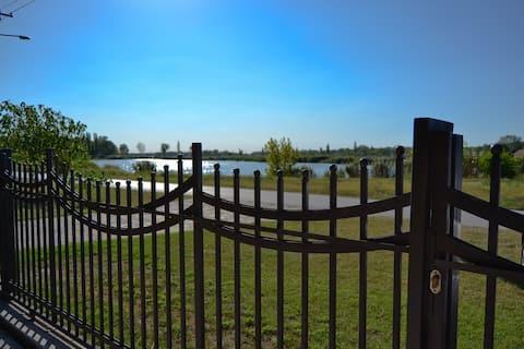 Beautiful villa directly on lakeside