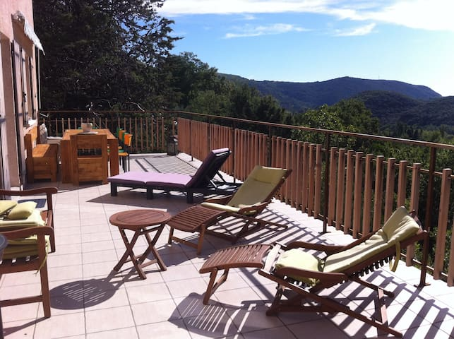 Bed and breakfast breathtaking view - Lodève - Bed & Breakfast