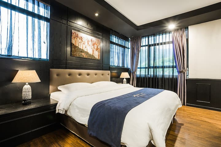 Manhattan Business Hotel-Deluxe King-The Curve-PJ