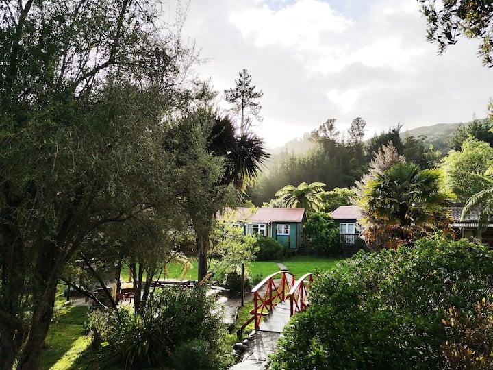 Cosy Cottage, winter prices, View, quiet, gardens