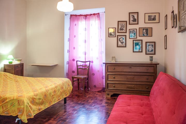 COZY ROOM MIDDLEAGE TOWER nearComo  - Albese Con Cassano - House