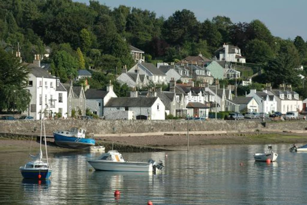 Kippford village centre, 10 mins stroll from Birchlea Lodge is on a tidal estuary