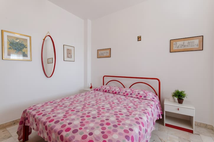 FRONT BEACH -two-room apartment in the center.C185 - Lido di Pomposa - Leilighet