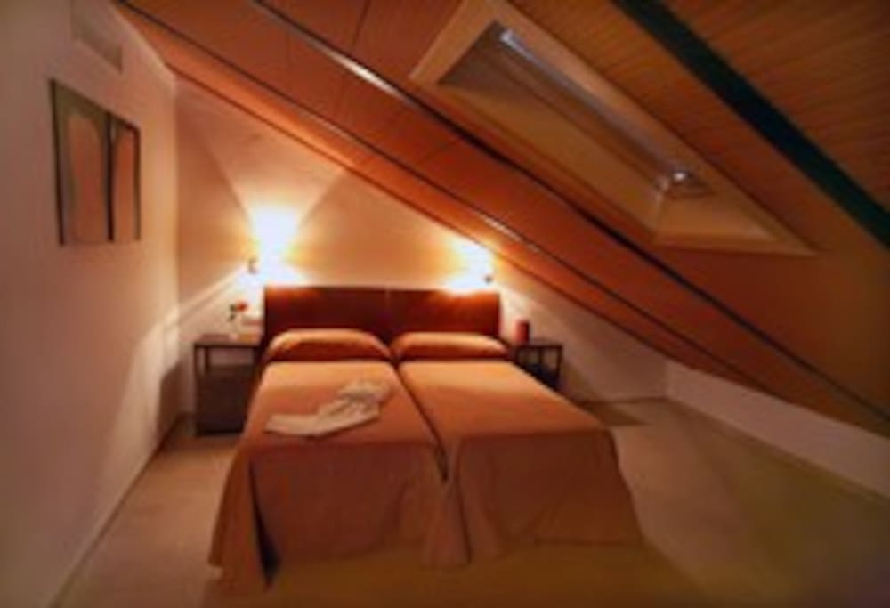 dormitorio de arriba con aseo