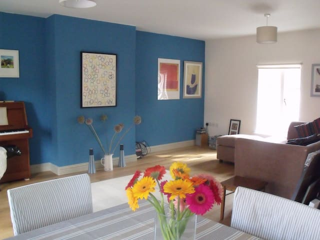 Bridport 3 Bedroom town apartment - Bridport - Leilighet