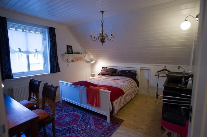 Aan de Burgt nl Peelkamer - Boekel - Bed & Breakfast