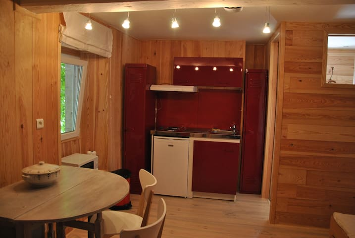 "Studio cosy ""le Chalet"" - Assat - Apartment"