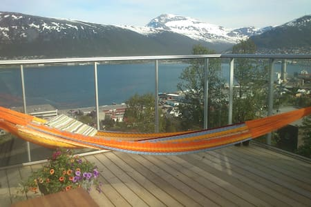 Room with roof deck, panoramic view - Tromsø