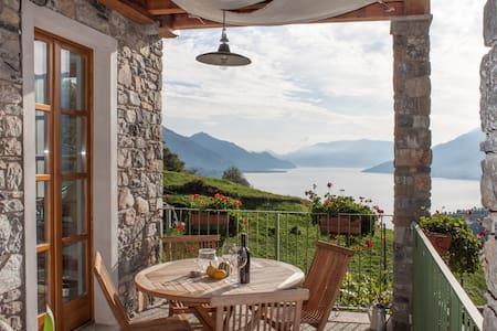 Casa vacanze con fantastica vista 2 - Gravedona ed Uniti - Casa