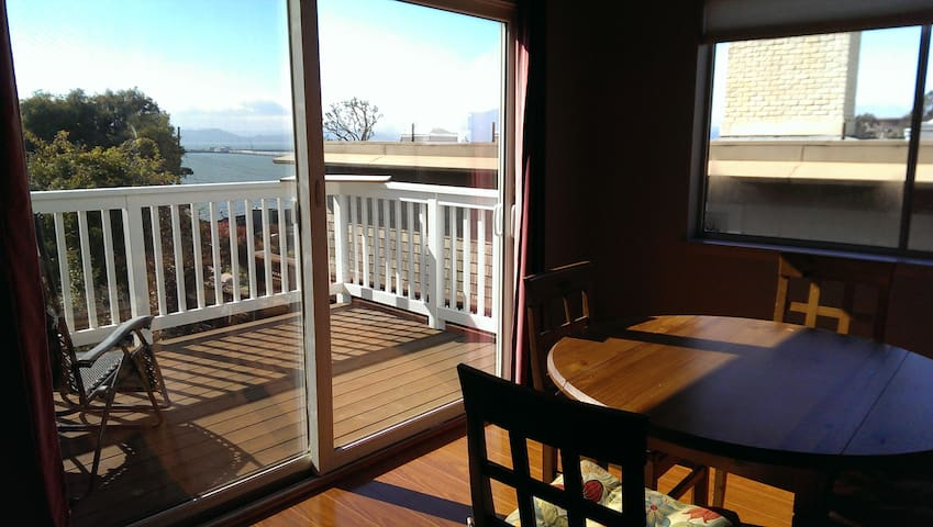 Beautiful bay views in Point Richmond! - Richmond - Apartment