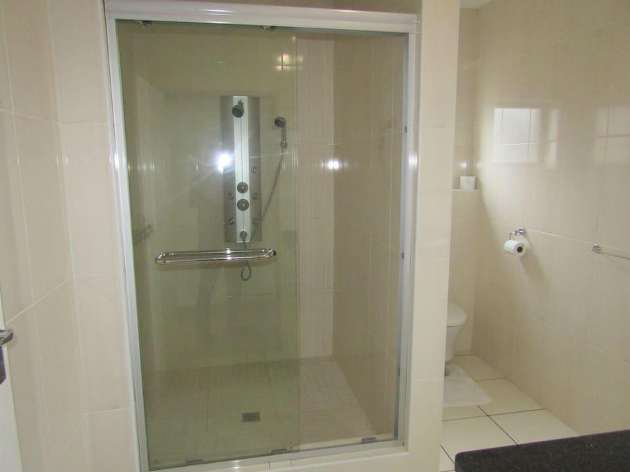 en-suite shower toilet