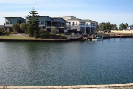 Waterfront home  Geographe Bay - Geographe
