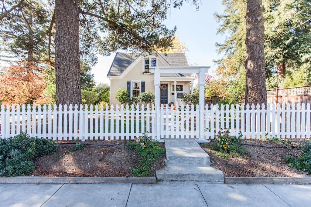 Beautiful 1/2 acre on Main Street, Napa CA