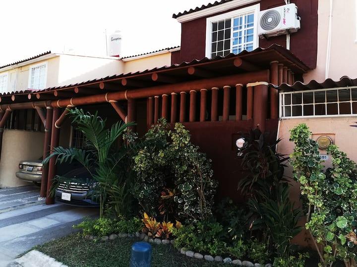 Casa Ixtapa cerca de la playa. Reserva ya!!!