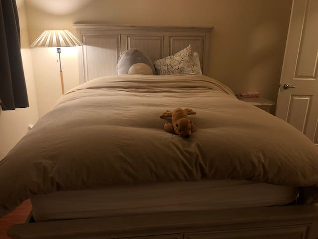 Most comfortable mattress and muji comforter in PA