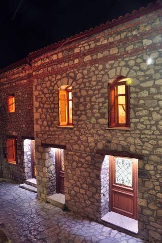 Limni Stone Apartments (4)