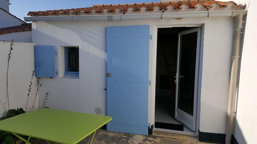 Charmante maisonnette à 500m de la mer - Bretignolles-sur-Mer - House