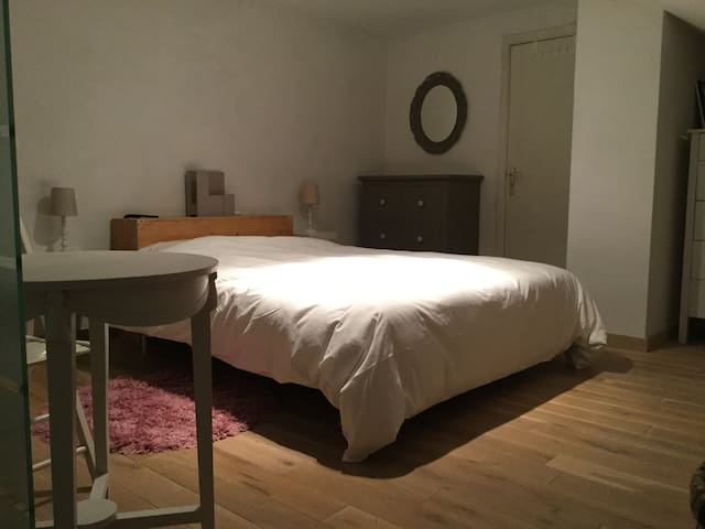 Private rooms with dubble bed - Hoeilaart - Appartement