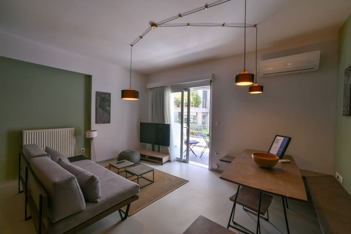 Olala Soho Apartment 2.1 | Balcony