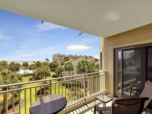 Private Balcony with Beautiful Pool and Ocean Views at 336 Shorewood