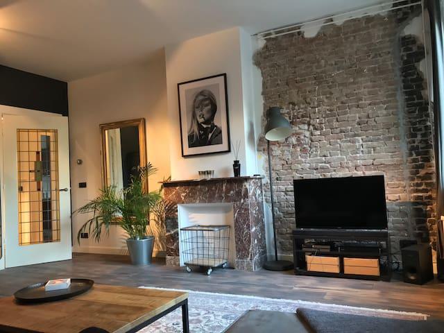 Spacious | trendy 1 bedroom apartment