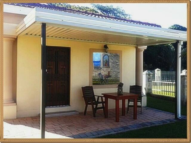 Romantic unit Self-catering - Port Edward - Chalet