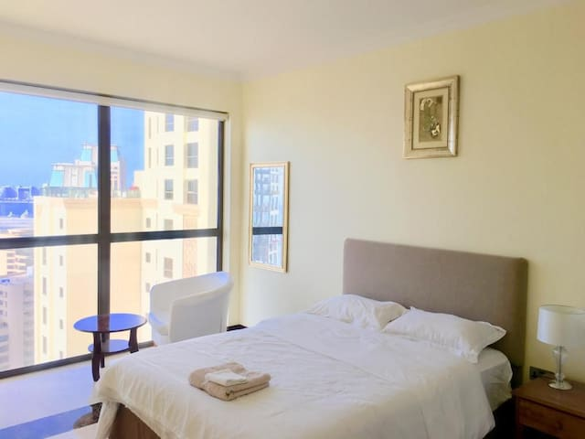 Bright PVT room in JBR opposite beach