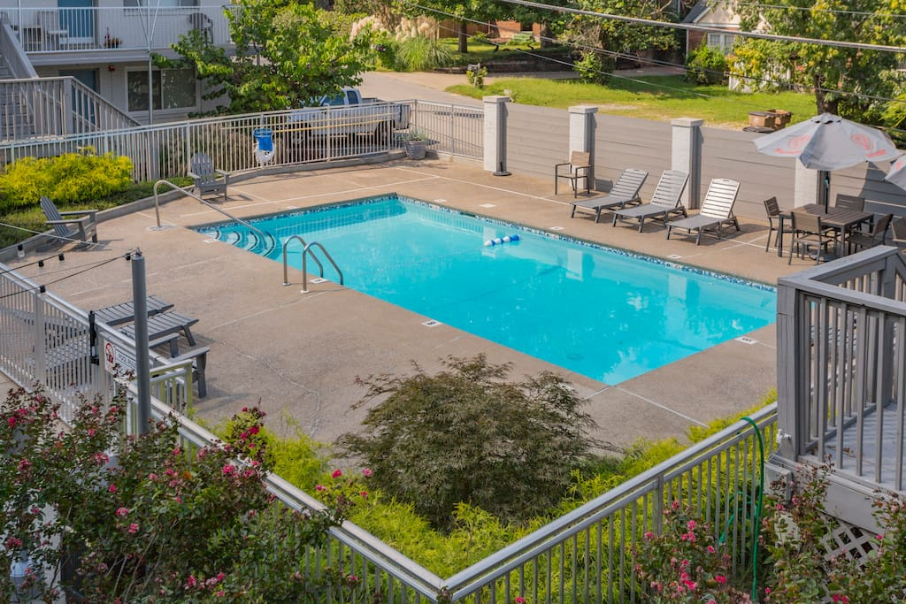 At Studio I Lofts, you'll not only have have access to your own studio but also the community pool and outdoor patio area in summer (from Memorial Day through Labor Day).