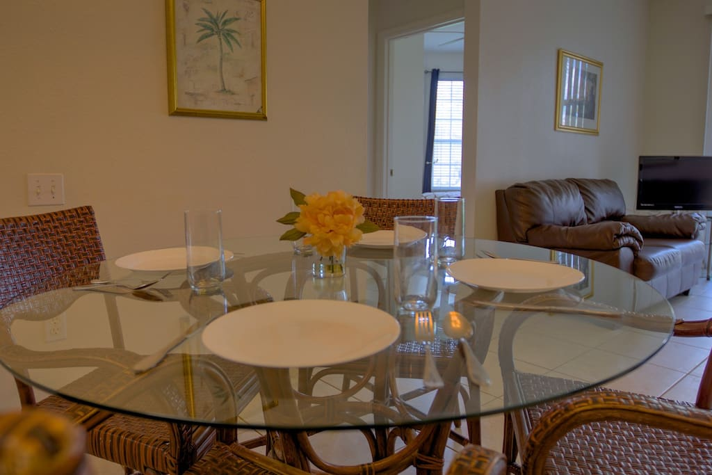 Vacation Condo Dining Area