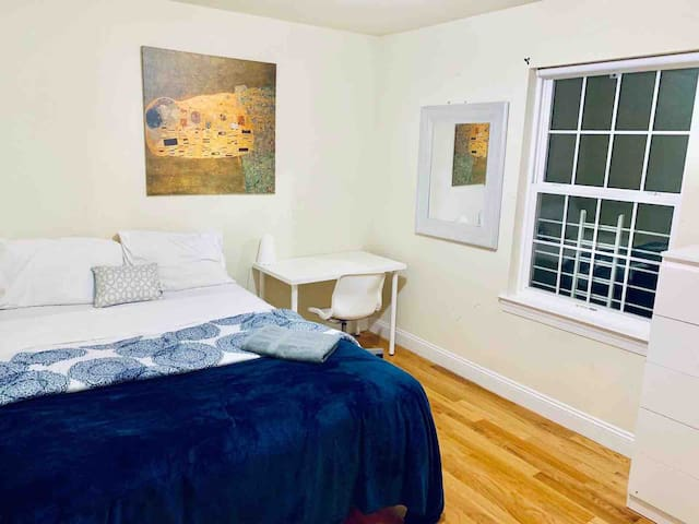 *EXCELLENT LOCATION* Near NYC/EWR/OUTLETMALL