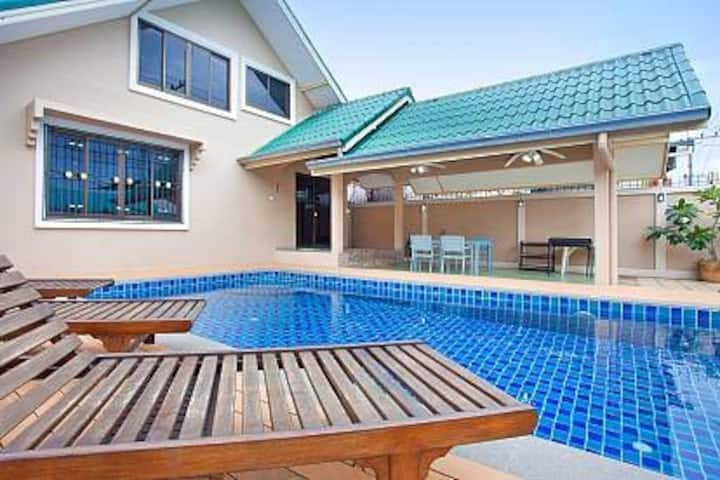 Pattaya Pool villa Tawan walking street