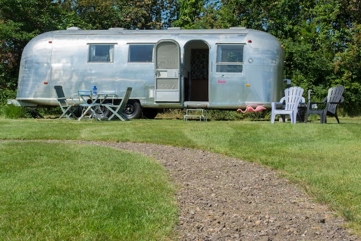 Happy Days Retro Vacations - Annie - Suffolk - Campingvogn