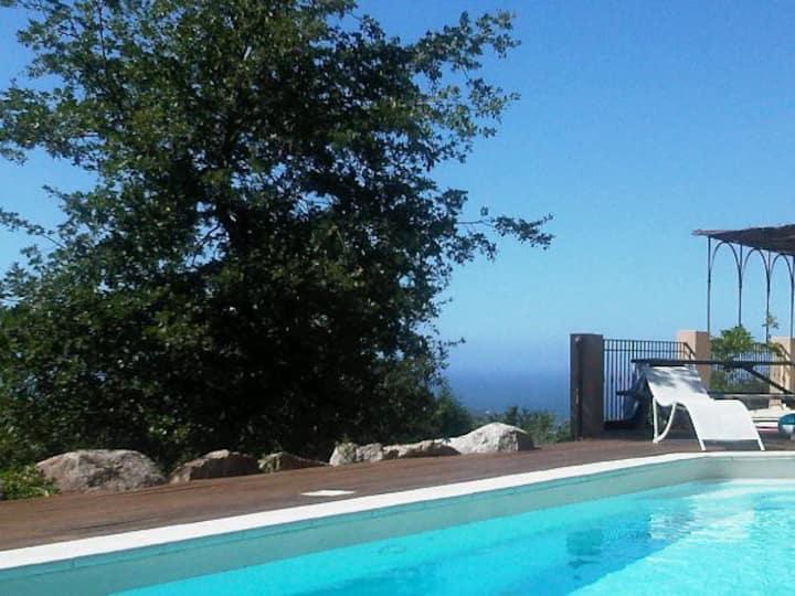Bel appartement rez-de-villa vue mer et montagne